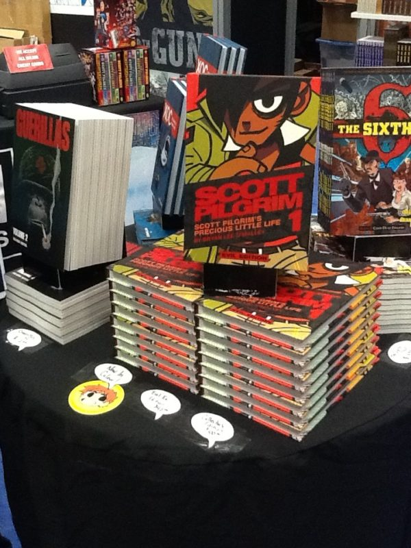the oni staff are getting ready to cut the line here comes the evil scott pilgrim and scott pilgrim collector volumes - Scott Pilgrim Books In Color