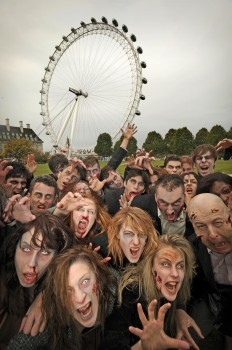 Walking-Dead-Zombie-Attack-at-The-London-Eye1