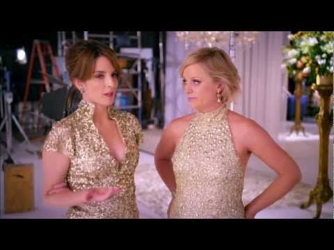 James Bond Tribute Set For Oscars Tina Fey And Amy Poehler Wear Pretty Dresses And Drop Dozens Of Golden Globe Gags