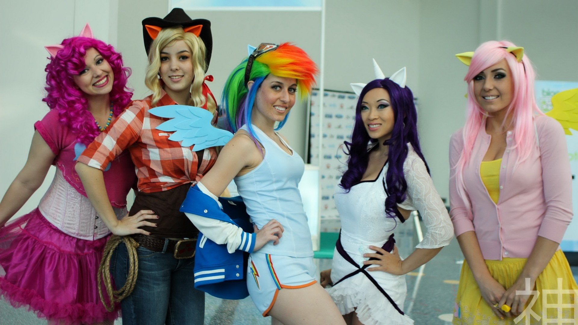 The Rise Of Fangirls Bronies And My Little Pony - The New York Comic Con Interviews (VIDEO) - Bleeding Cool News And Rumors  sc 1 st  Bleeding Cool & The Rise Of Fangirls Bronies And My Little Pony - The New York ...