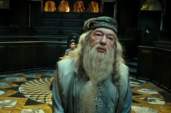 its-time-to-talk-about-how-the-recast-dumbledore-2-20582-1445036493-3_dblbig