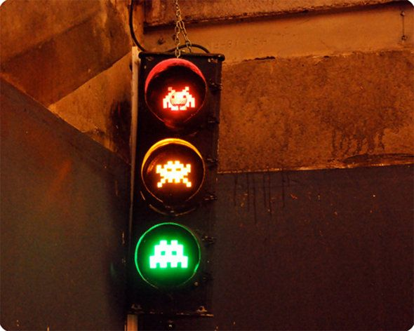 space-invaders-traffic-light