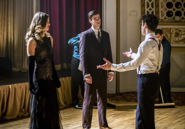 """The Flash -- """"Duet"""" -- FLA317b_0912b.jpg -- Pictured (L-R): Melissa Benoist as Kara, Grant Gustin as Barry Allen and Darren Criss as Music Meister -- Photo: Jack Rowand/The CW -- © 2017 The CW Network, LLC. All rights reserved"""