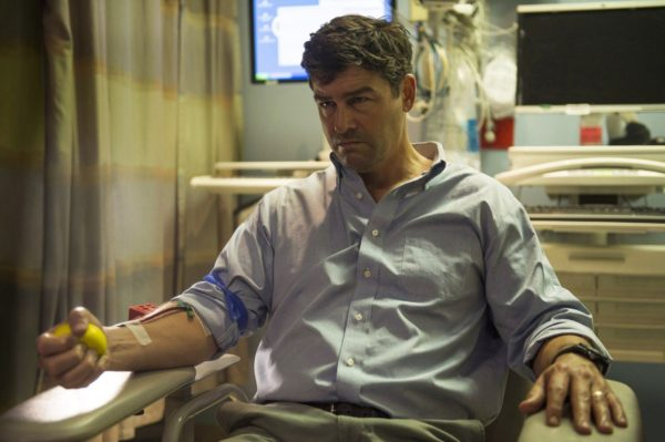 catch 22 kyle chandler joins clooney