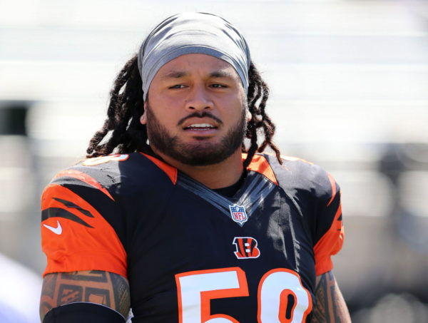 The Dolphins Sign Rey Maualuga To Help Depleted Linebacker Corps