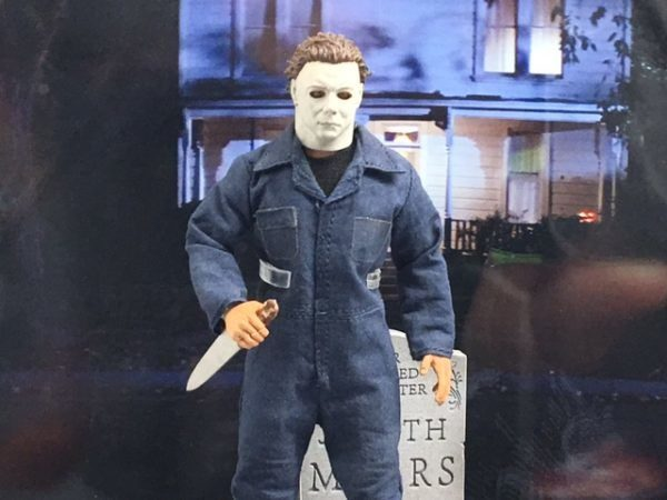 Mezco One:12 Collective Michael Myers Halloween Figure 2