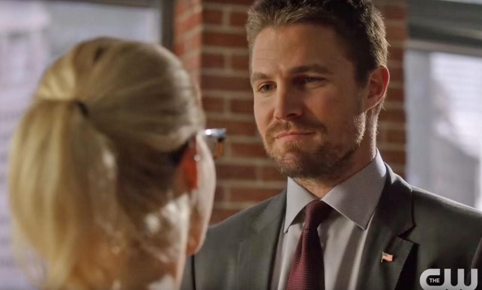 Arrow Season 6 Oliver Goes To Felicity For Some Parenting Advice