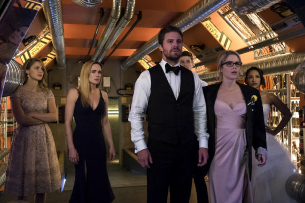 Crisis on Earth-X Ratings Supergirl