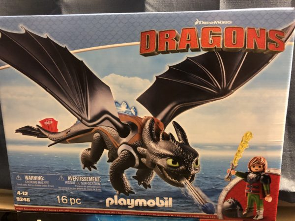 Playmobils adorable figure of toothless from how to train your dragon playmobil dragons hiccup and toothless playset ccuart Image collections