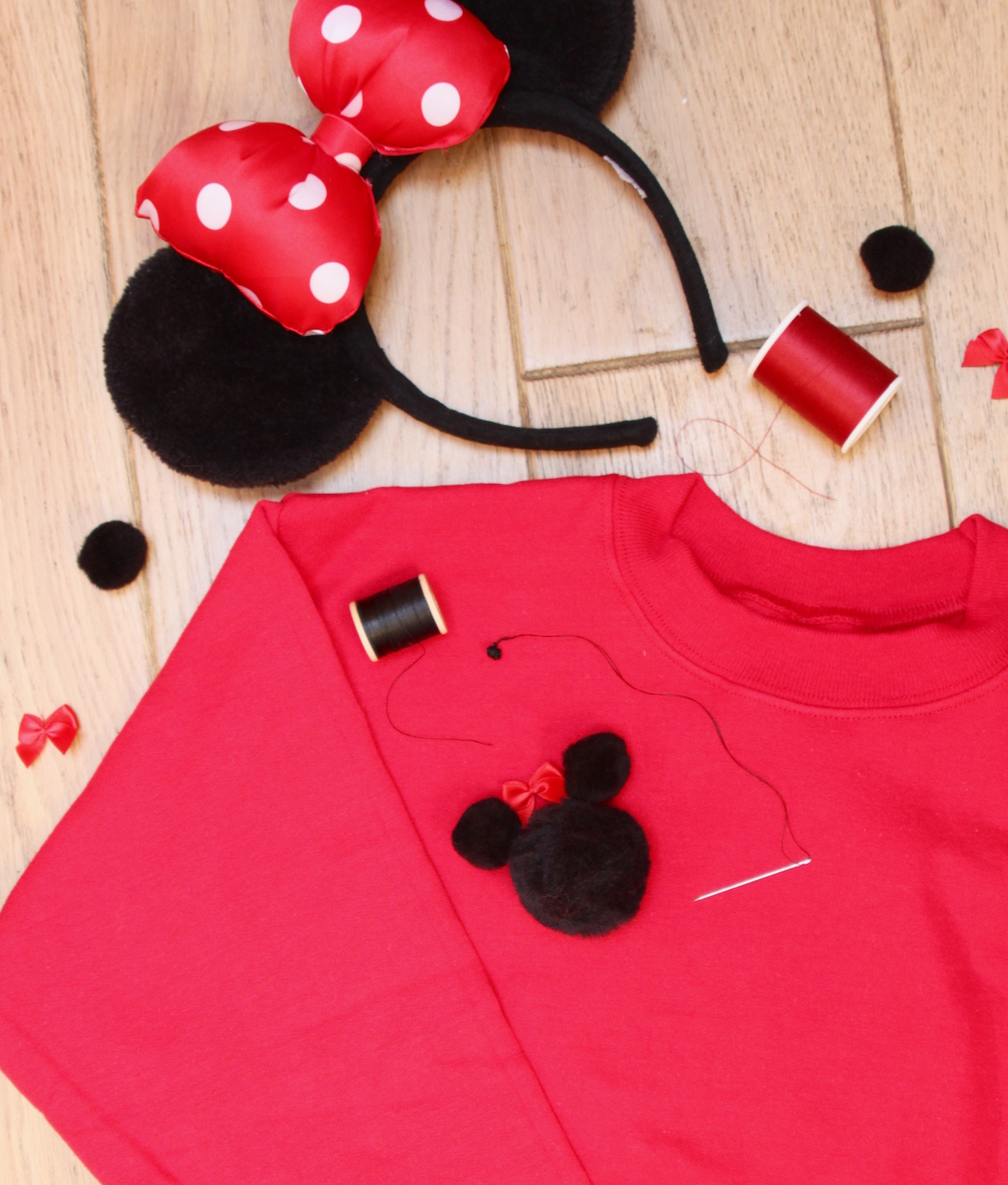 minnie mouse diy sweatshirt