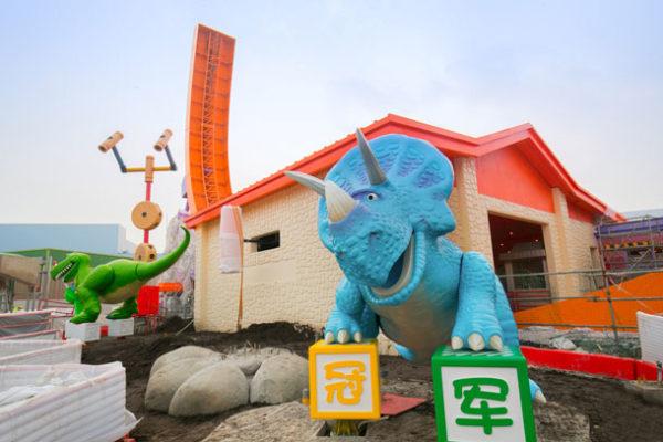 shanghai disneyland toy story