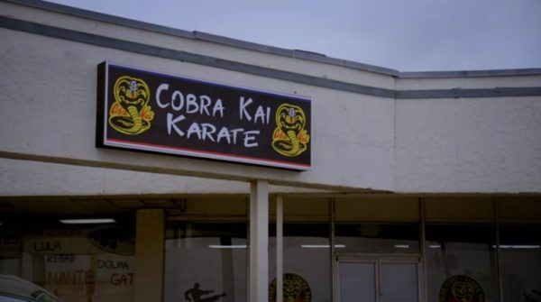 cobra kai daniel johnny rivalry
