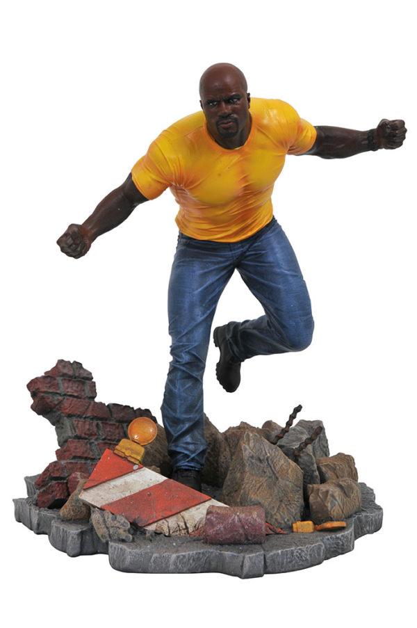Gamestop Luke Cage Gallery Statue 1