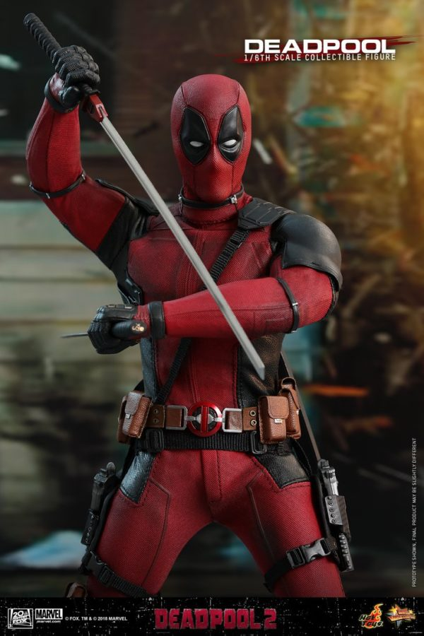 Hot Toys Deadpool 2 Deadpool 11