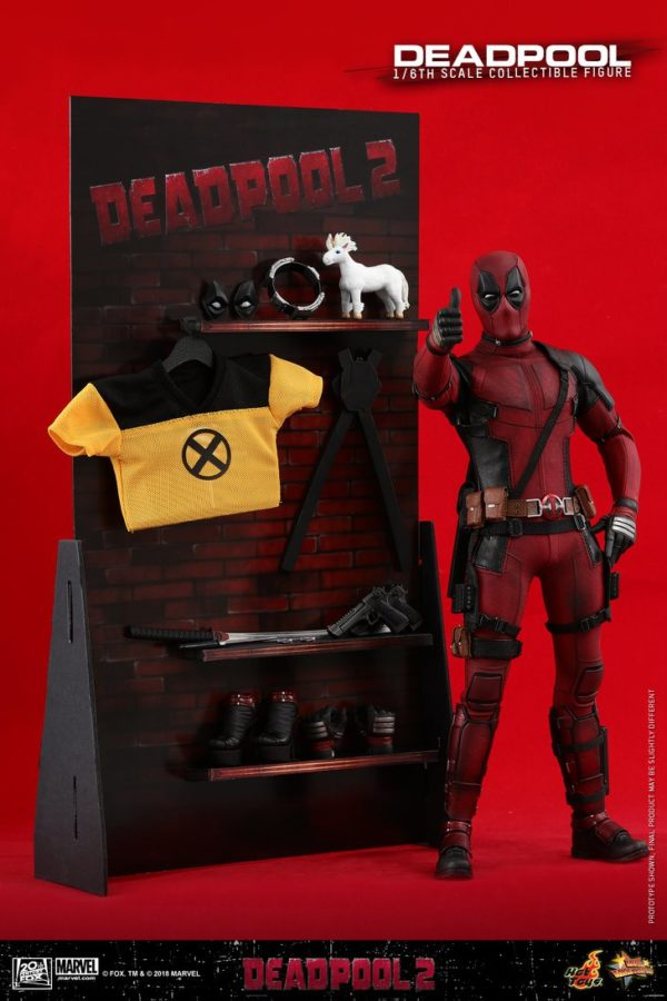 Hot Toys Deadpool 2 Deadpool 15