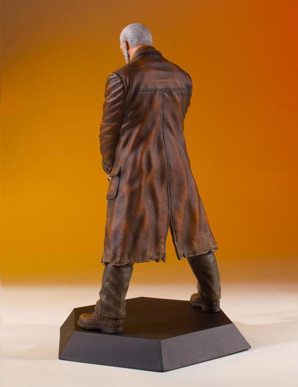 Wolverine Old Man Logan Statue 3