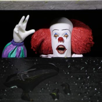 IT 1990 Tim Curry Pennywise NECA 2