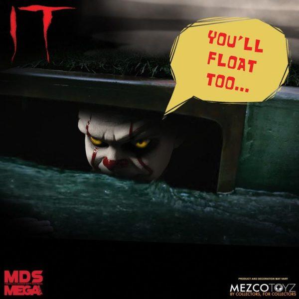 Mezco Toyz Mega Scale Talking Pennywise 6