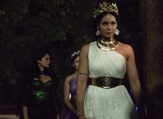 Charmed Season 1, Episode 3 'Sweet Tooth' Preview: It's