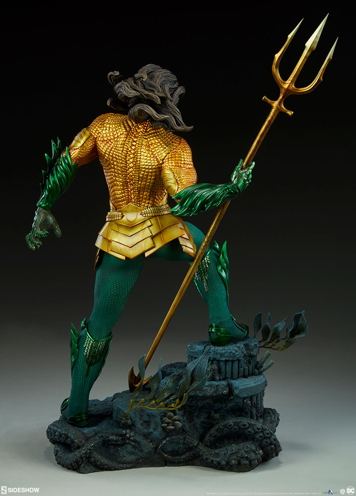 Sideshow Collectibles Premium Format Figure Aquaman 5