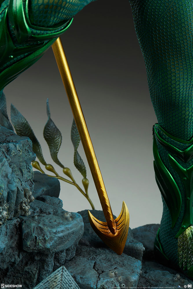 Sideshow Collectibles Premium Format Figure Aquaman 9