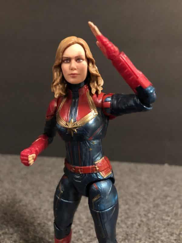Marvel Legends Captain Marvel Figur 5