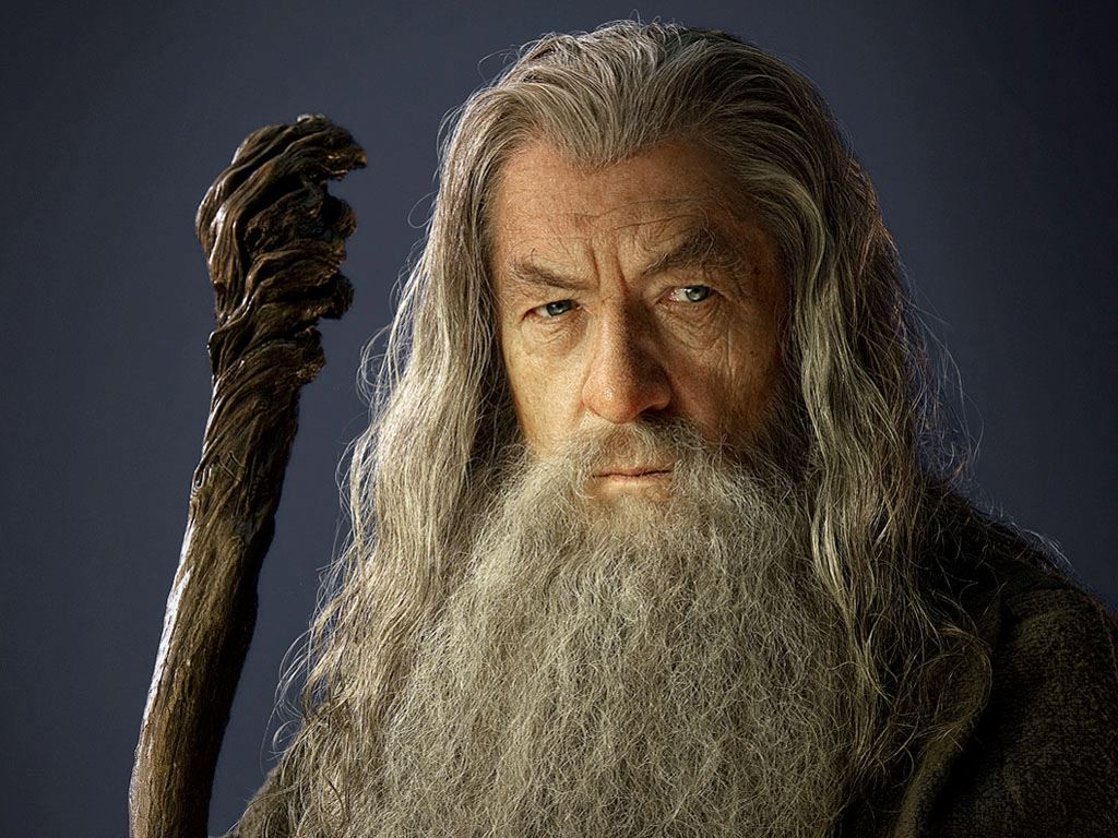 Sir Ian McKellan Says Hes Not Too Old to Play Gandalf Again