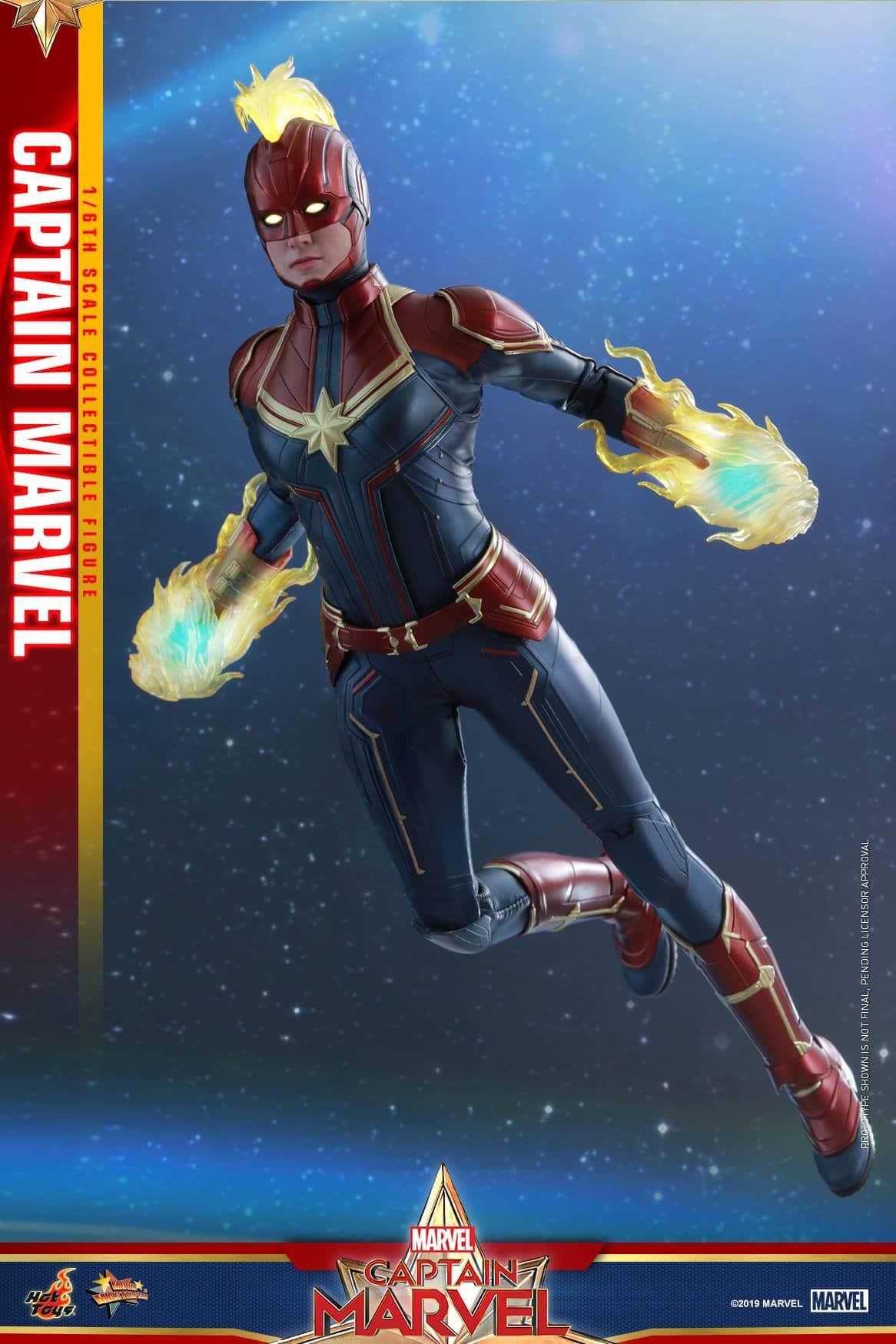 Hot Toys Captain Marvel 1