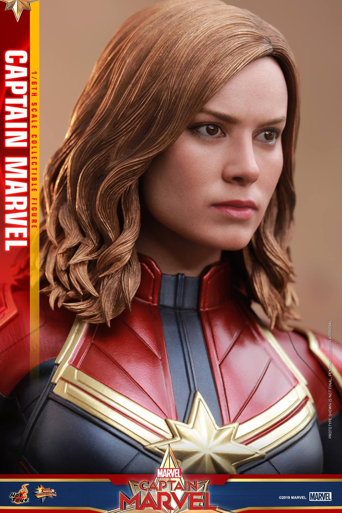 Hot Toys Captain Marvel 14