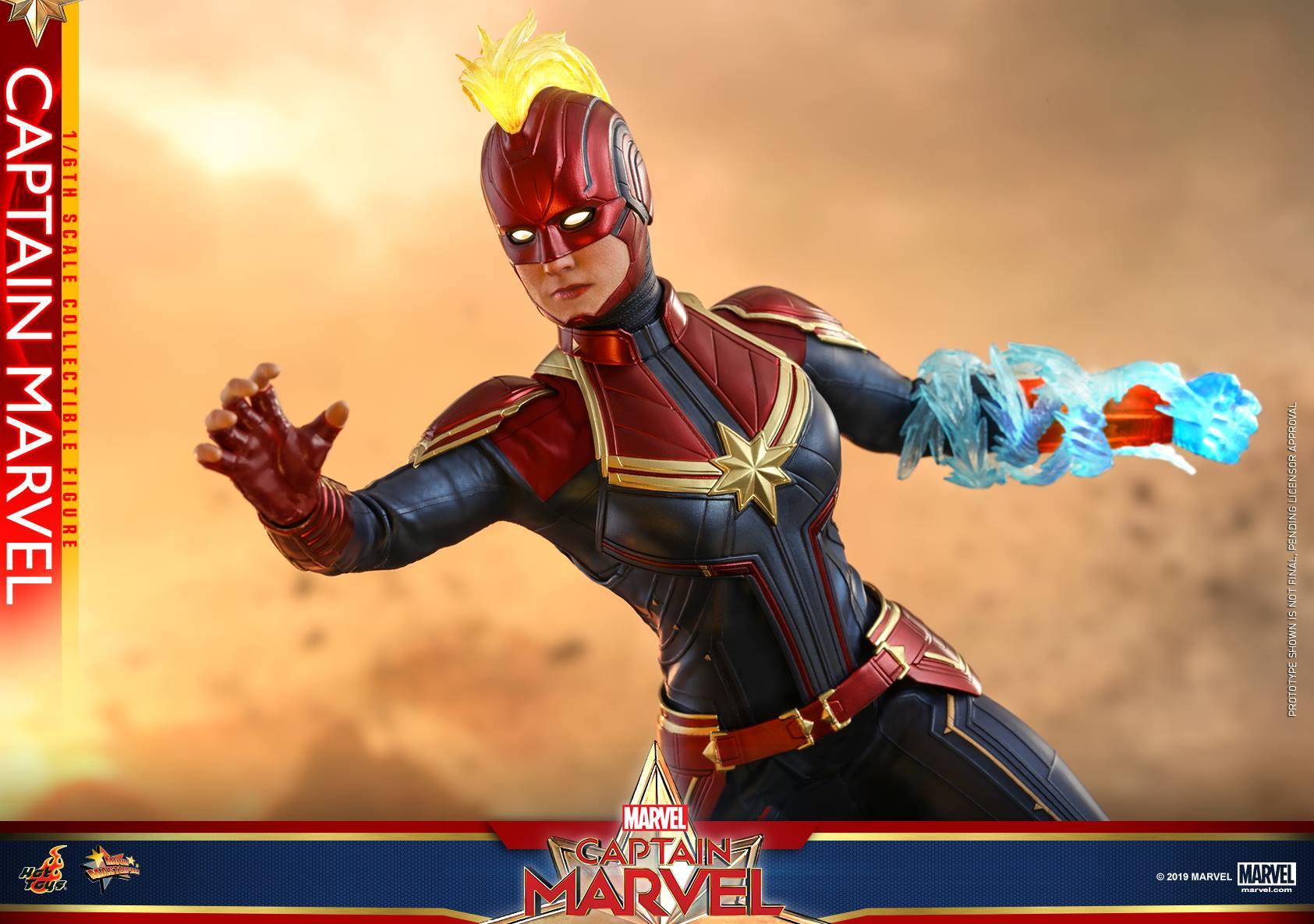 Hot Toys Captain Marvel 6