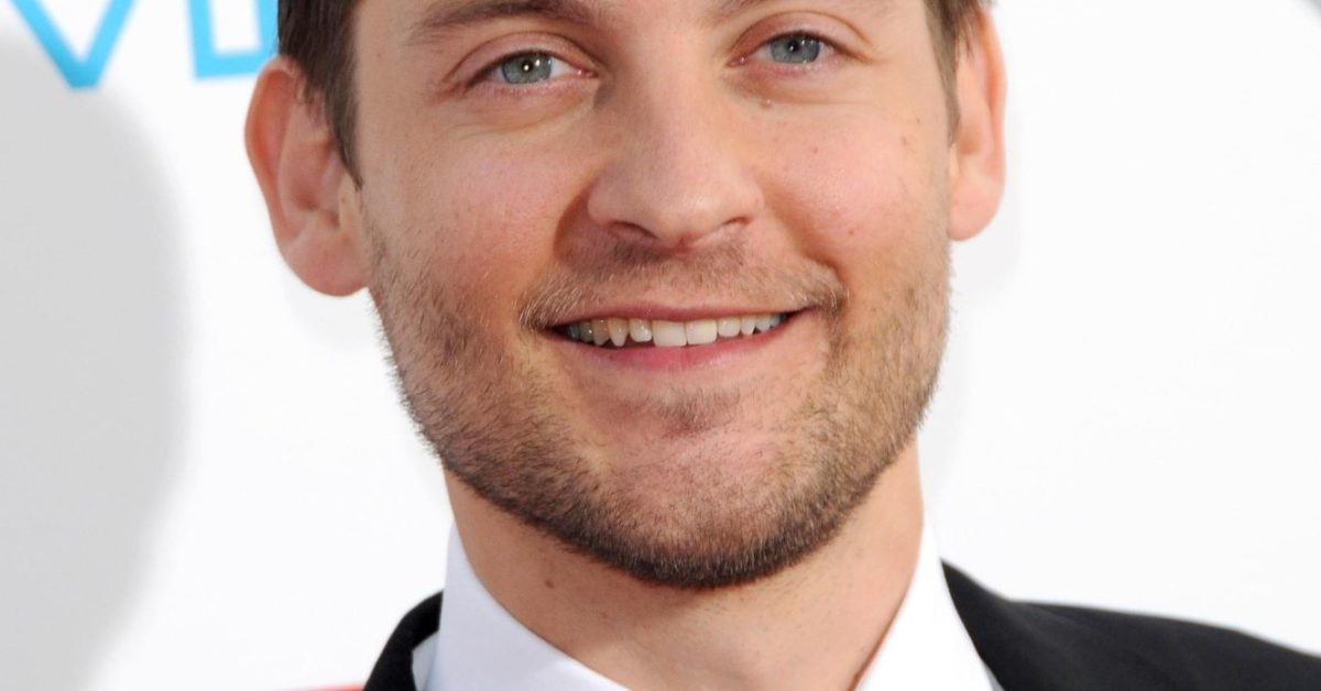"Tobey Maguire ""Likes the Choices"" of Andrew Garfield, Tom ..."