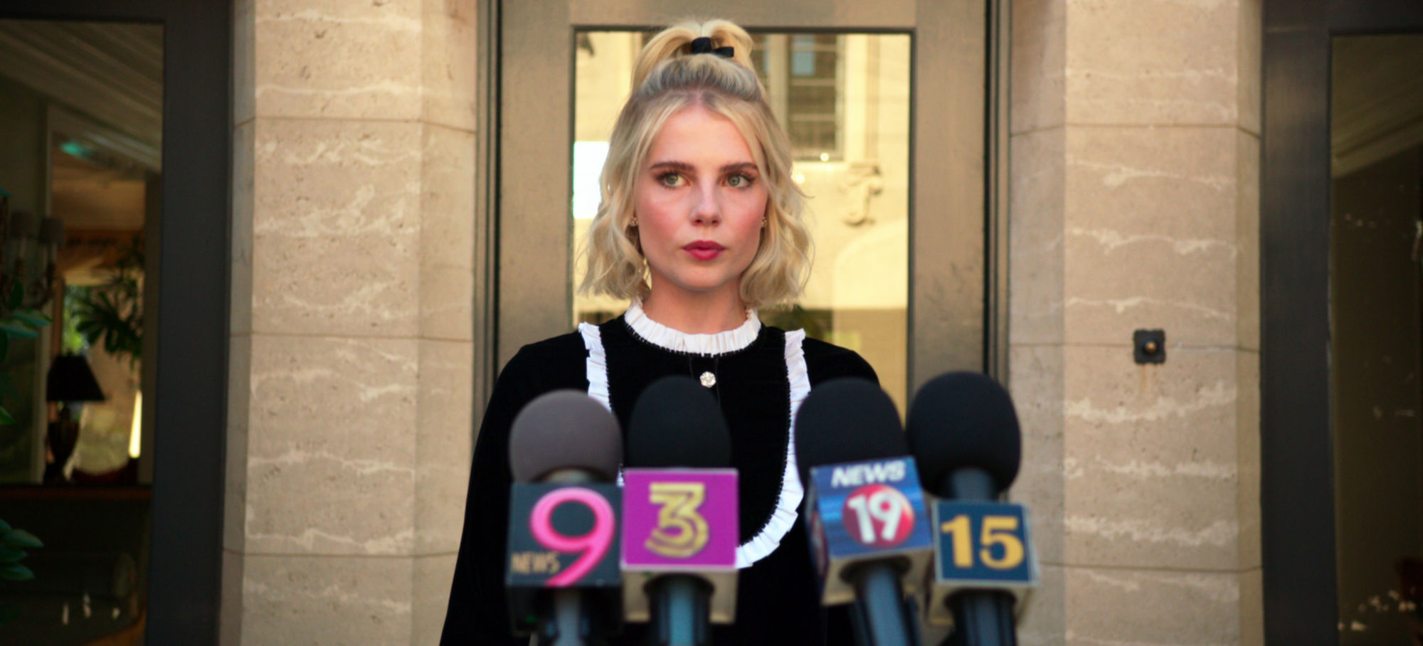 """The Politician"": Lucy Boynton's Astrid No Fan of Possible POTUS Payton [TEASER]"