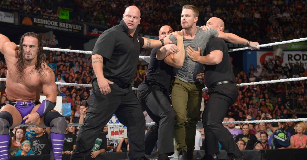"""""""Heels"""": Stephen Amell, STARZ Tag-Teaming for Pro Wrestling Drama Series"""