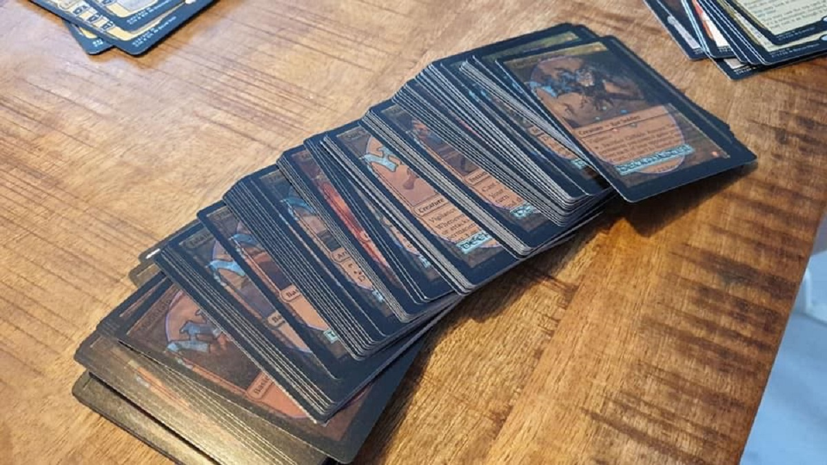 "MIsprinted ""Mystic Intellect"" Deck Sparks Interest - ""Magic: The Gathering"""