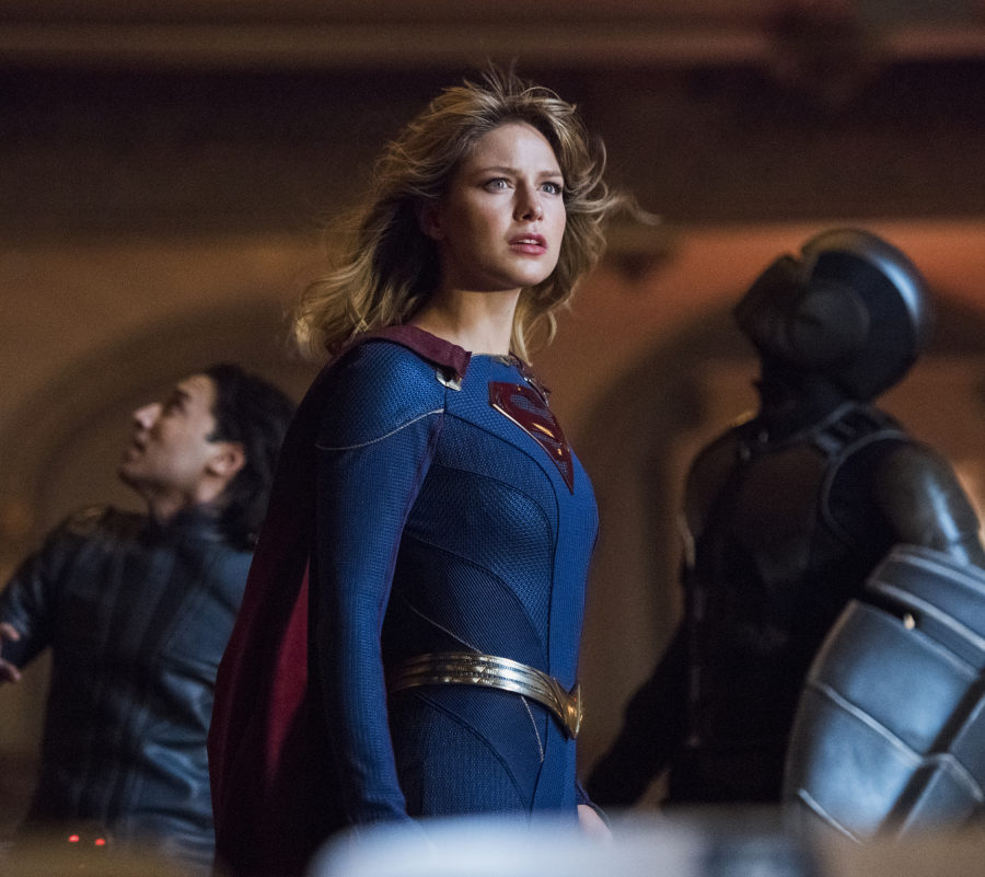 """""""Supergirl"""": It's Kara. Fighting a Dinosaur. You're Welcome. [PREVIEW]"""