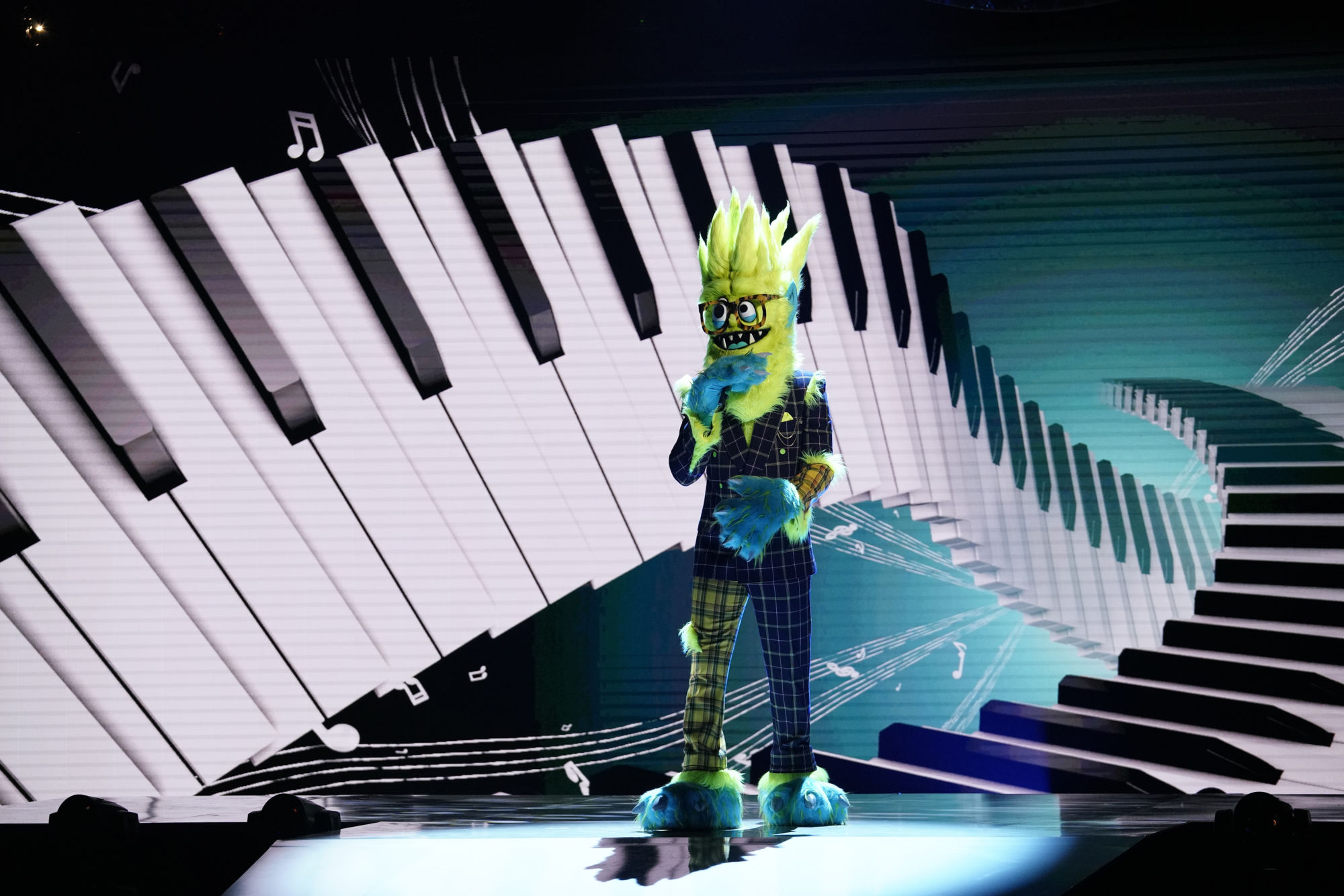 The Masked Singer Season 2 Week 9 A Pain in the Mask / Two Masks Take It Off: Did Inspector T-Pain Crack the Case &#8211 with Soup [PREVIEW]