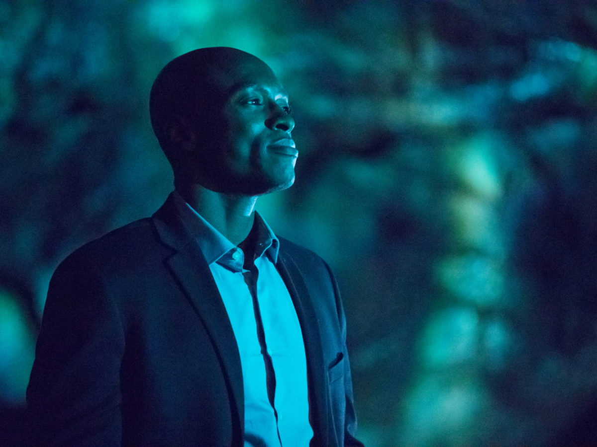 Superman & Lois Casts Vampire Diaries Alum Wole Parks as The Stranger