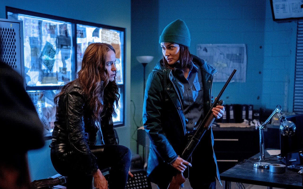 Wynonna Earp Posts Season 4 Opener, Takes Earpers Behind the Scenes