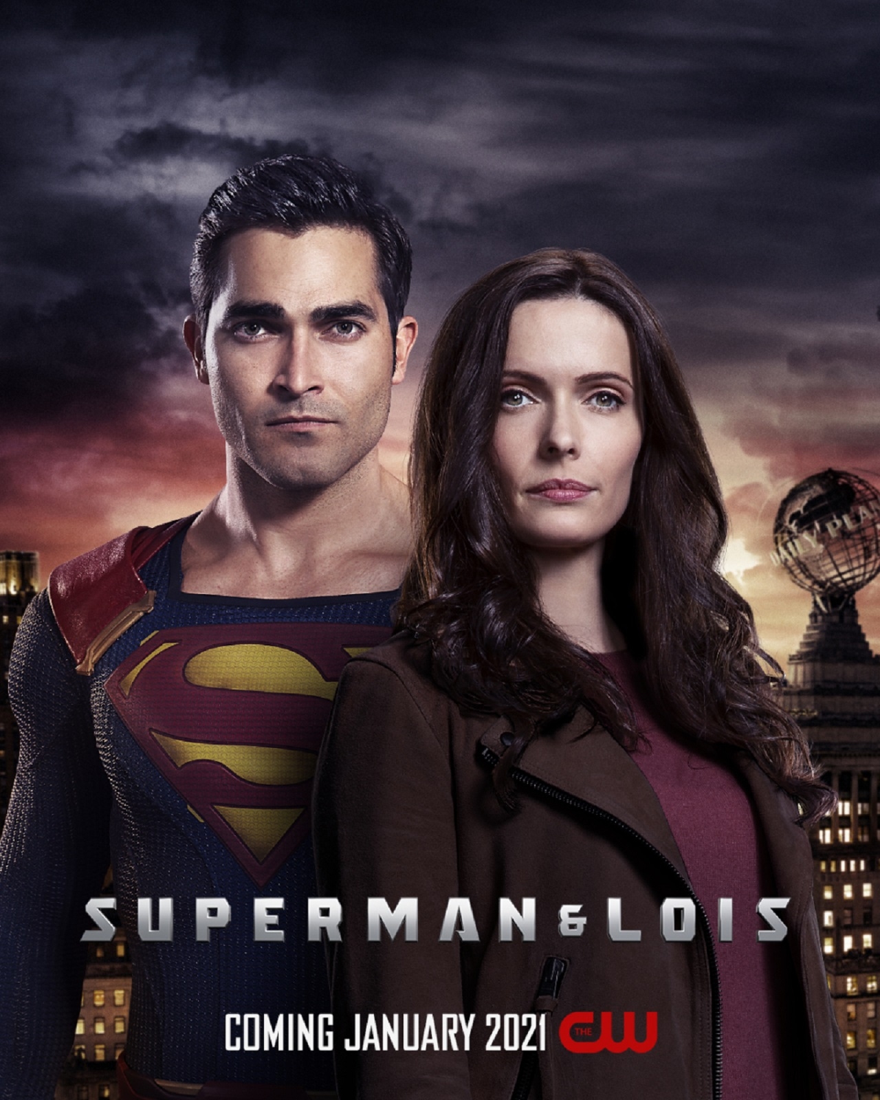 """Superman & Lois: Elizabeth Tulloch Shows Some Love for Her """"Superfam"""""""