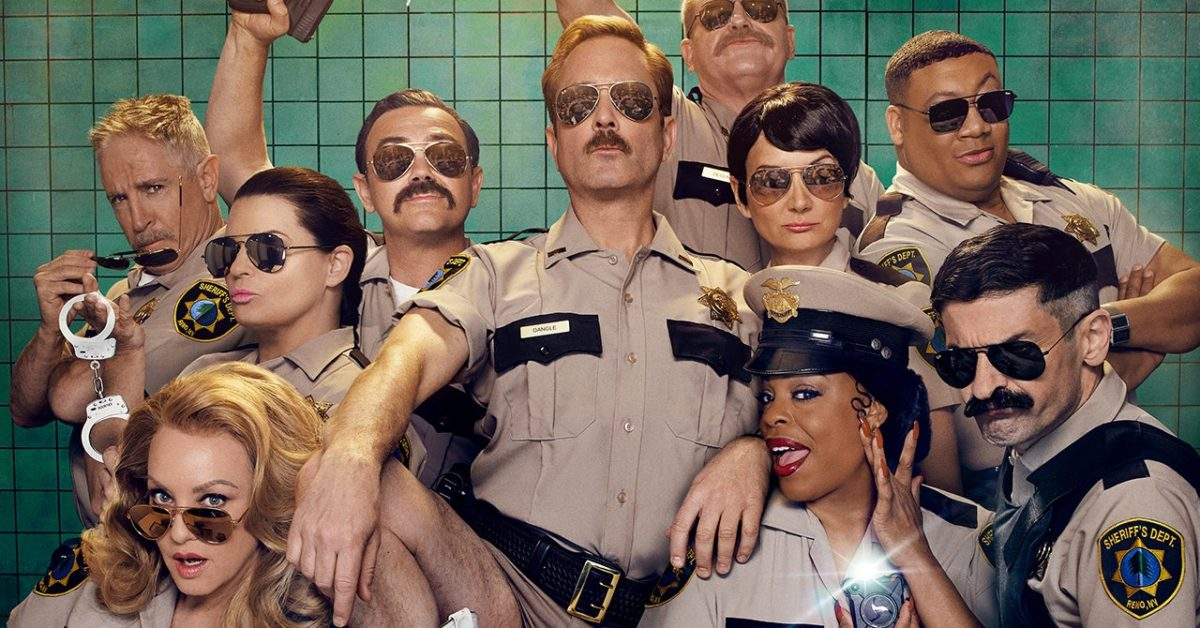 Reno 911 S08 Thomas Lennon, Jamie Lee Curtis Get Up Close & Personal