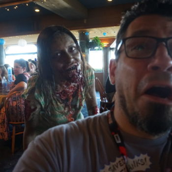 Skybound Insiders Meetup at San Diego - Pink Signatures, Free Drinks and a Couple of the Walking Dead